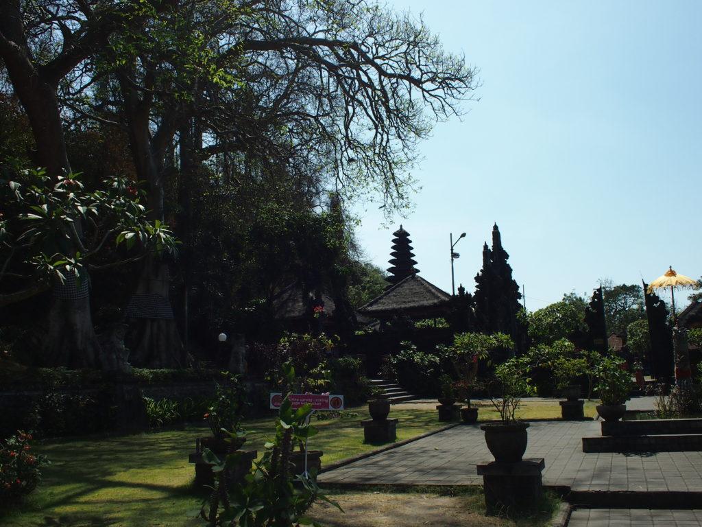 バリ島ゴアラワ寺院観光情報