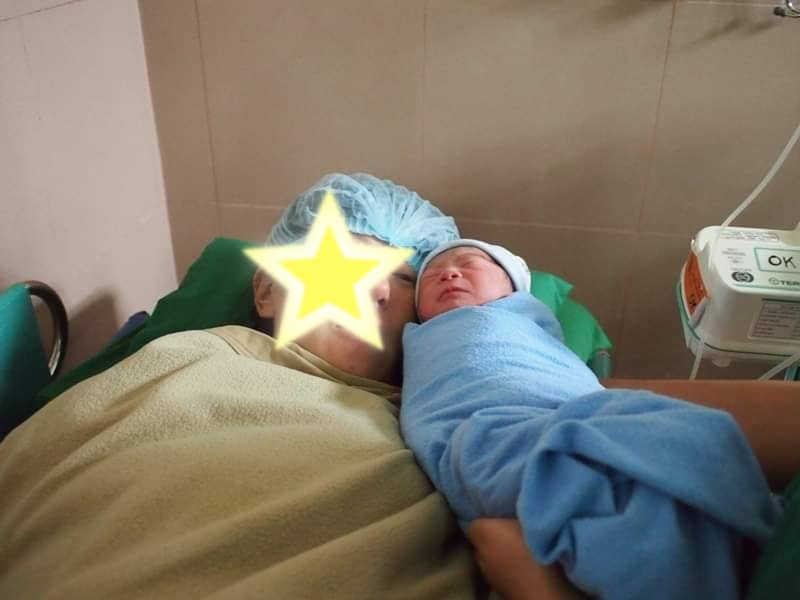 長男出産直後 感動の瞬間だけど、ママのお顔は自主規制
