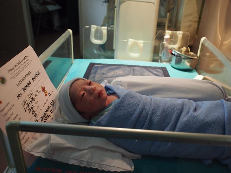 新生児室での長男